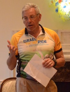 With the gathering at his Sandy Springs house, Alan Lubel introduces his guest from the Arava Institute.
