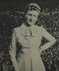 Elise Ver Hulse Defeux, who saved Hanna in Brussels, was arrested and tortured during World War II for harboring and aiding Jews. After the war, Hanna found Elise in Brussels to thank her for her help, without which Hanna would not have reached Manila.