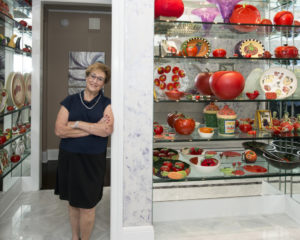 The tomato art collection in the foyer reflects Sheryl Lipman's family business. (Photo by Duane Stork)