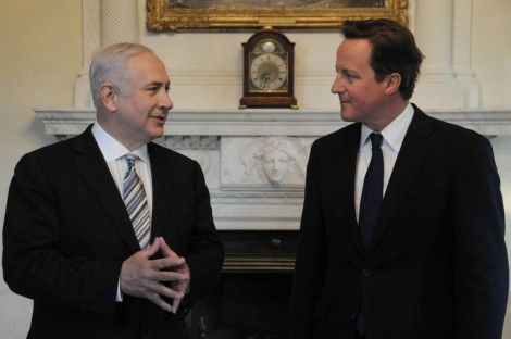 Prime Minister Benjamin Netanyahu with British Prime Minister David Cameron in London (photo credit: Amos Ben Gershom/ GPO/Flash90)
