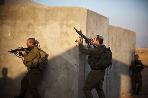 IDF soldiers train in urban warfare (photo credit: Matanya Tausig/Flash90)
