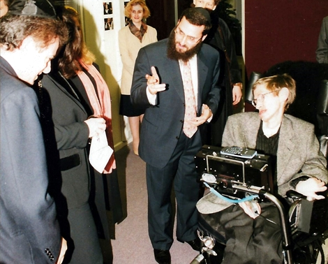Hosting Stephen Hawking for a lecture at Oxford, 1998 (photo: courtesy of Shmuley Boteach)