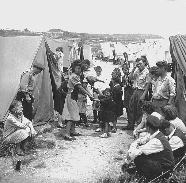 Ma'abarot transit camp in 1950 (photo: Wikimedia Commons)