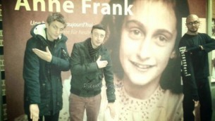 Quenelle-Anne-Frank-550x412