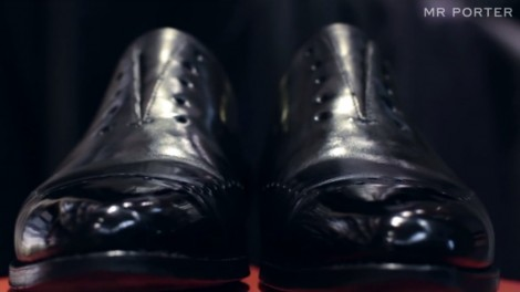 Shine Daddy's shoes (youtube screenshot)