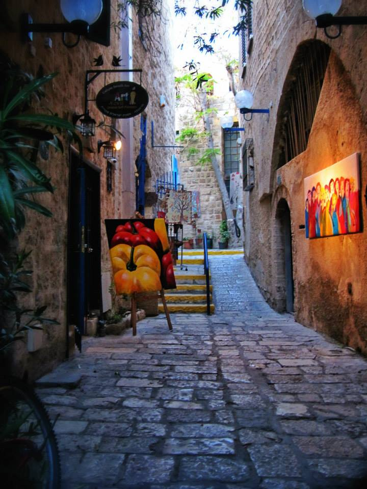 Art in Jaffa. Photo by Sarah Tuttle-Singer.