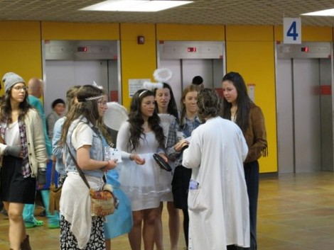 Sem Girls Speaking with Doctor