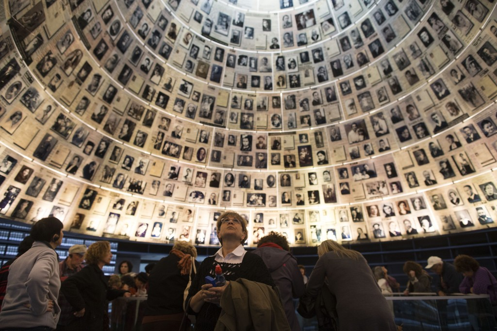 Visitors gather in the Hall of Names at Yad Vashem in Jerusalem on Jan. 27, 2014, International Holocaust Remembrance Day. (Credit: Uriel Sinai/Getty Images)
