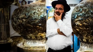 Torah scroll completion .jpg-203908