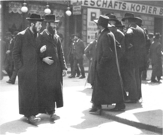 Orthodox Jews from Galicia at the Karmeliterplatz in Vienna's second district Leopoldstadt. This media file is in the public domain