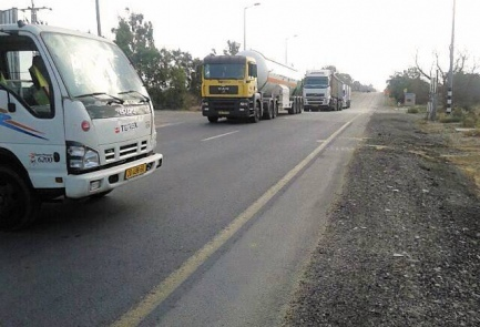 truck blocks gaza