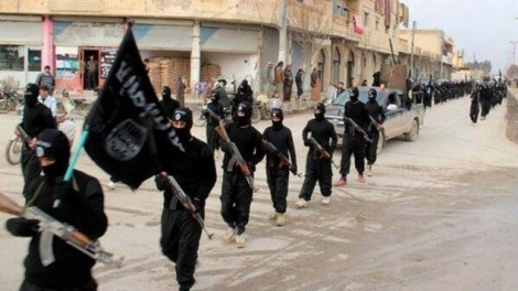 ISIS marching in Syria (photo credit: AP)