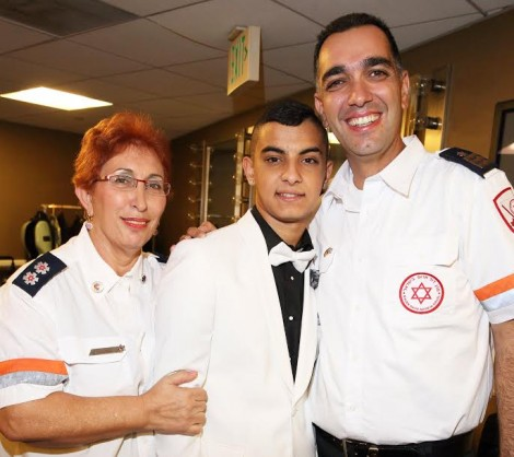 Yarin Levi with paramedic angels Naomi Zvi-Land Einav Asulin-Photo by Joe Shalmoni