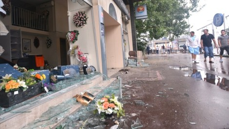 In the Paris suburb of Sarcelles, pro-Palestinian rioters broke shop windows and set fires on July 20, 2014. (photo: Cnaan Liphshiz)