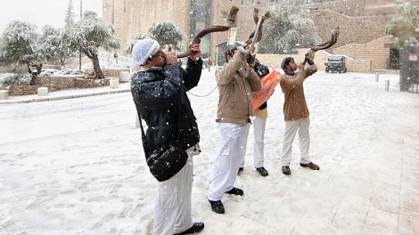 shofar-under-snow
