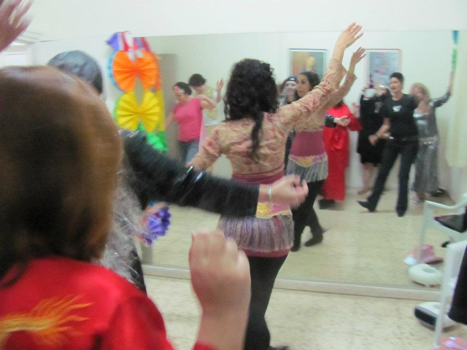 Hadadi offers various workshops and activities, including belly dancing