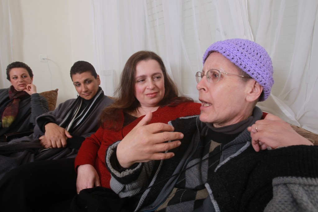 Rochie (Rachel) Schitskovsky-Ivker (center) participates in many of Hadadi's support groups