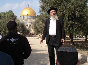 Rabbi-Ariel-on-Temple-Mount-Recently