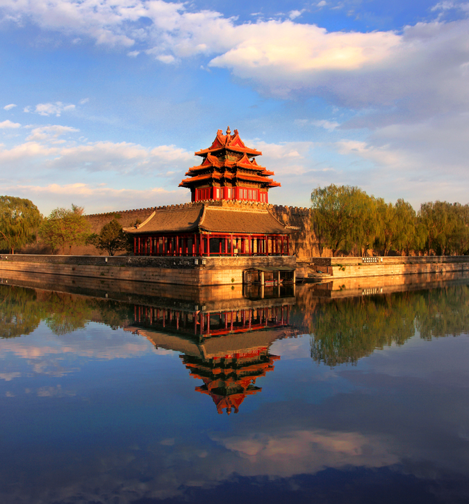 Corner_towers_of_the_Forbidden_City_3335