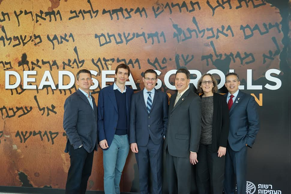 From L-George Duffield, Taran Davies, Israel consul general David Siegel, Jeff Rudolph, Pnina shor Curater Head of Dead Sea scrolls project, William Harris Senior VP development and marketing-Photo Orly Halevy