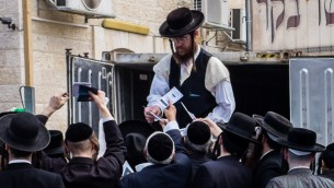 Pessah at Mea Shearim-7