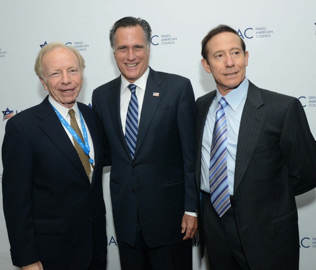 Adam Milstein with Joe Lieberman and Mitt Romney at the IAC 2014 convention (Shahar Azran, IAC)