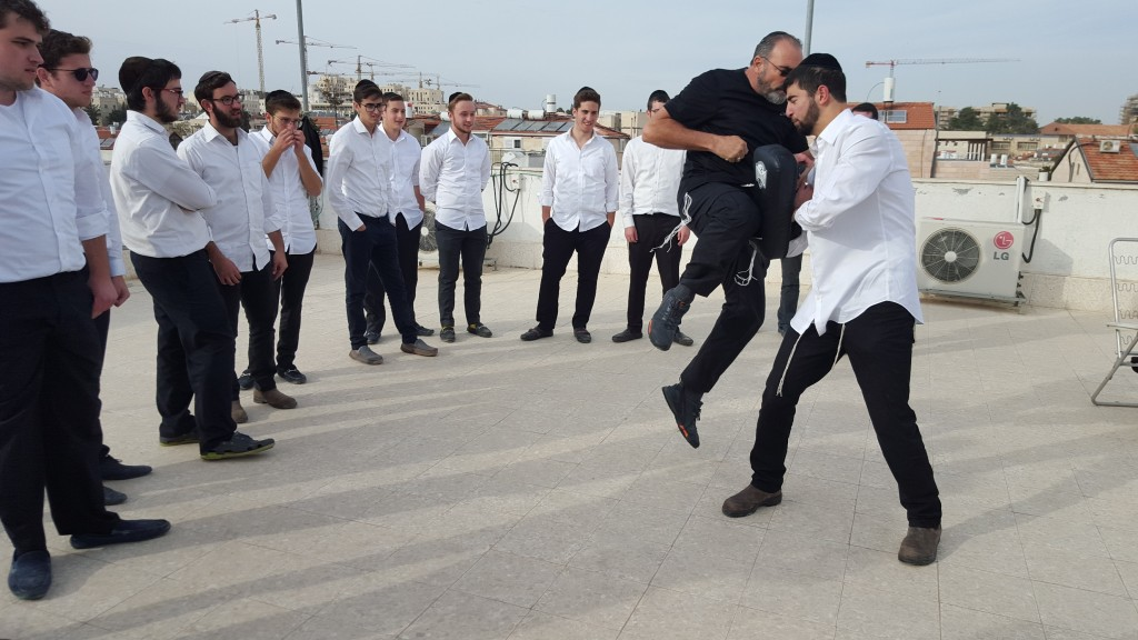 Winslow training the bochorim at Yeshiva Tiferes Yisroel in Geula, Jerusalem