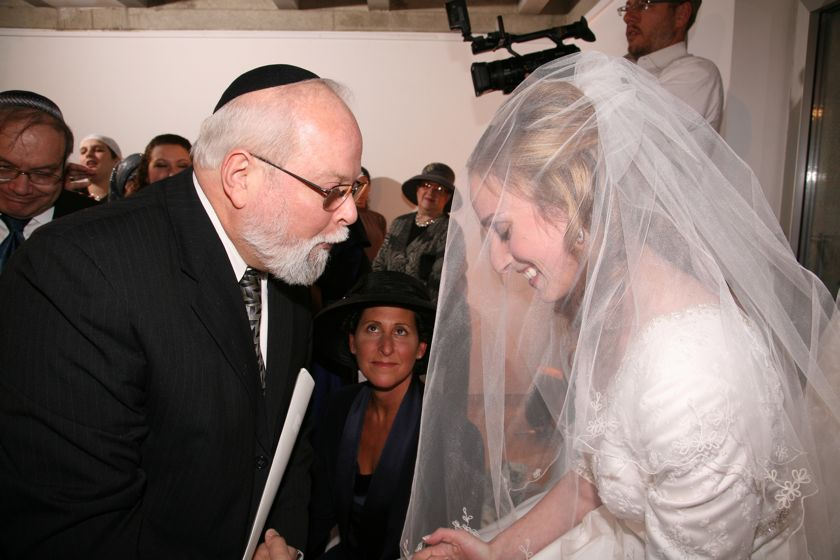 Reb Shaya officiating the wedding, Jerusalem, 4 Jan 2009