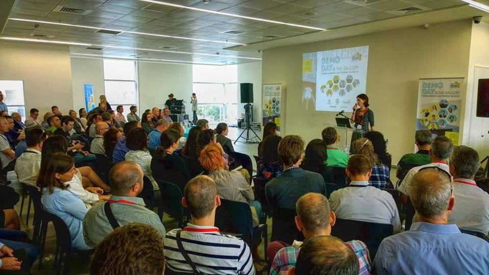 Demo Day TheHive April 2016