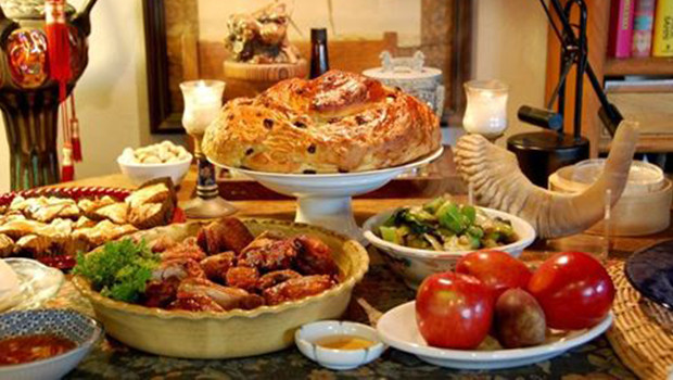 ideal-rosh-hashanah-dinner-party-ideas-2-620x350