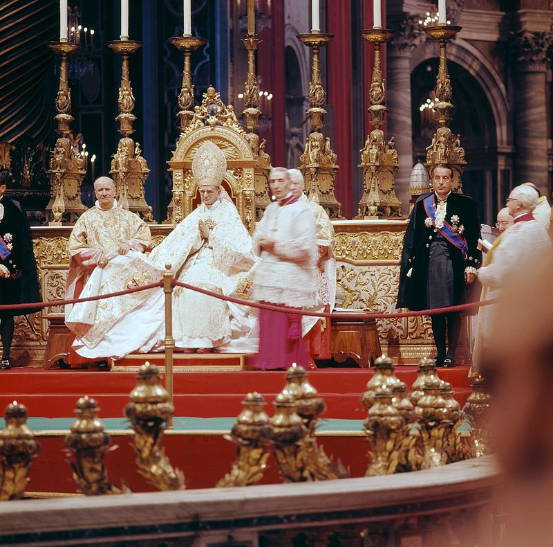 Photo credit: Pope Paul VI presiding over the introductory ingress of the council, (Lothar Wolleh, CC BY-SA 3.0 via Wikimedia Commons)
