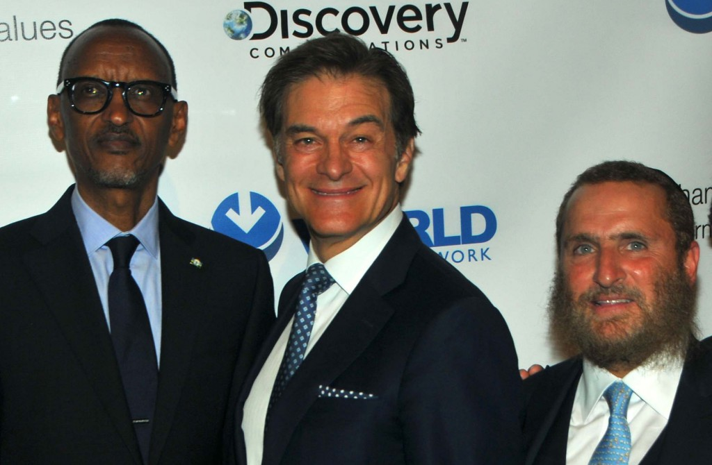 Rwanda President Paul Kagame, Dr. Mehmet Oz and Rabbi Shmuley Boteach. Photo by Tim Boxer