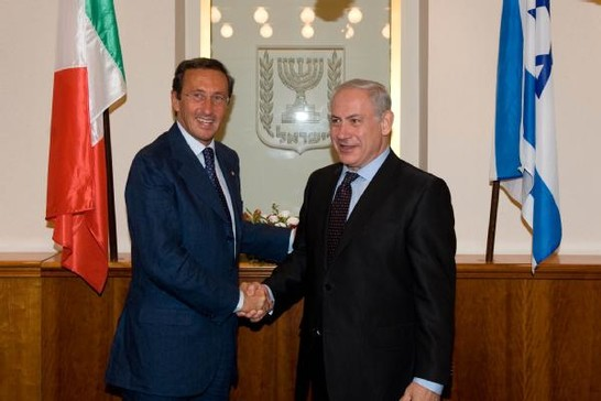 Italian former lower house speaker Gianfranco Fini with Israeli PM Benjamin Netanyahu. Photo from Italian Chamber of Deputies' archives. Online, available at:http://storia.camera.it/foto/20100622-gerusalemme-presidente-gianfranco-fini-incontra-primo