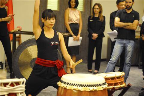 A drummer belonging to the four-member Taiko Life band performs during a Taiwan Independence Day celebration Oct. 2 at the Tel Aviv Sheraton. Photo: Larry Luxner