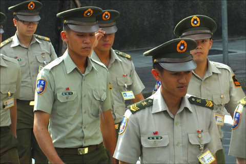 Taiwanese soldiers cross a street near the presidential palace in Taipei. Photo: Larry Luxner
