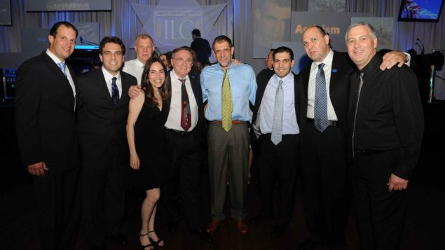 Dor Chadash and the Israeli Leadership Council celebrate the official announcement at the recent ILC Gala in Los Angeles.