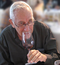 Author, mentor and epicure, Daniel Rogov, the native of Belarus helped put Israeli wines on the world map.
