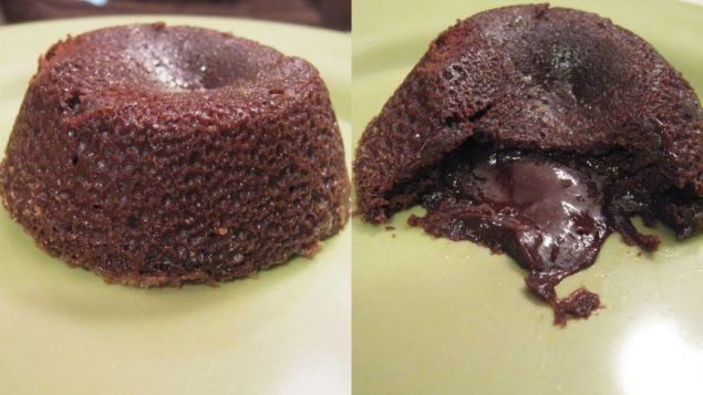 Hot molten chocolate cakes. Photos by Amy Spiro