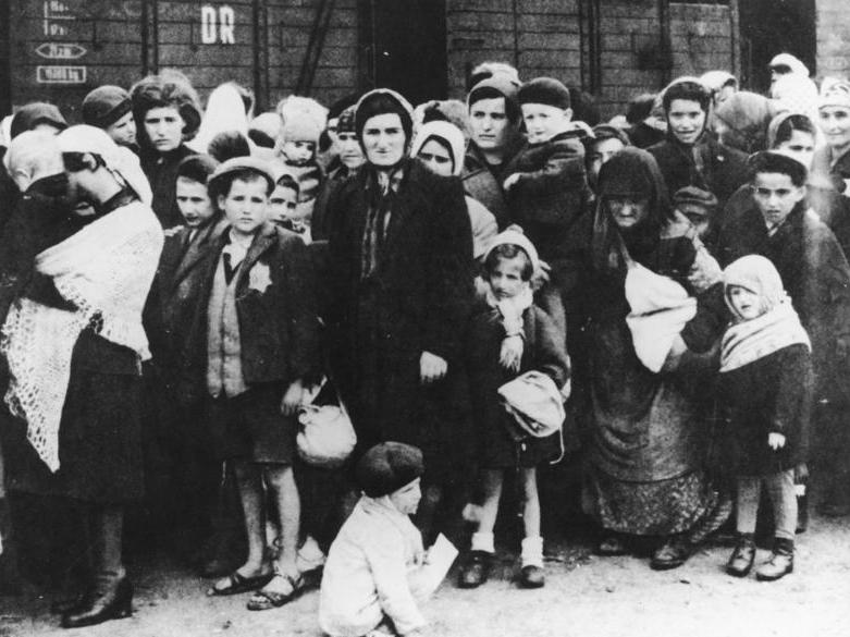 holocaust effects on jews during ww11 Jewish partisan: jewish partisan, one of approximately 20,000–30,000 irregular fighters who participated in the jewish resistance against nazi germany and its allies during world war ii in western europe those jewish resisters often joined forces with other.