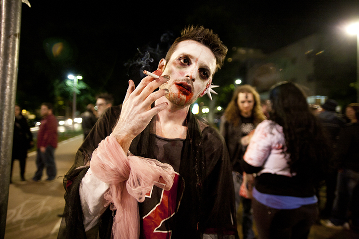 Warning, smoking is bad for you (photo credit: Dima Vazinovich / Flash 90)