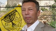 Arcadi Gaydamak, who plans to sign two Muslim players,  visiting a Beitar Jerusalem training session in September 2008 (photo credit: Anna Kaplan/ Flash90)