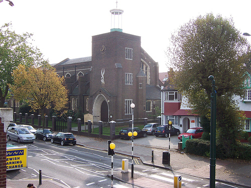 Illustrative photo of Golders Green (photo credit: CC BY-SA, LozFlowers/Flickr)