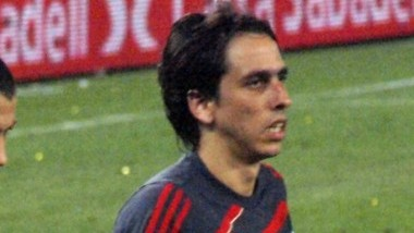 Yossi Benayoun (photo credit: CC-BY-Elemaki/Jose Porras/Wikipedia)