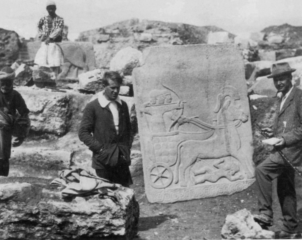 In this image made available by the Joint Turco-Italian Archaeological Expedition, a young T.E. Lawrence , left, and C.L. Woolley pictured in front of the Long Wall of Sculpture at Karkemish in Gaziantep province, Turkey, in 1913 (photo credit: AP Photo/Courtesy of the Trustees of the Liddell Hart Centre for Military Archives, File)