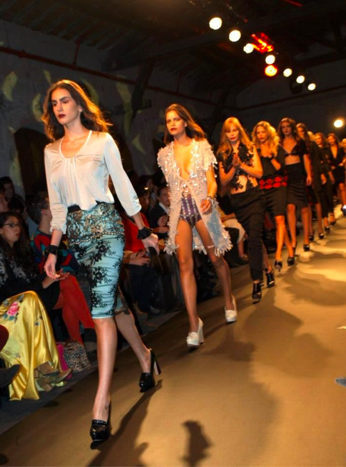 Strutting the catwalk in Anya Fleet (Courtesy Tel Aviv Fashion Week)