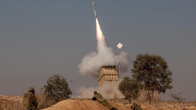 The Iron Dome missile defense system in action, November 15, 2012 (photo credit: Uri Lenz/Flash90)