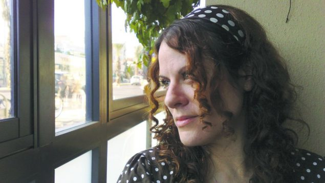 A window on two cultures: Born in the U.S., raised in Israel, the author finds a large gap between Israelis, American Jews.