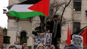 Demonstrators in Dublin protest Israeli military operations in Gaza in early 2009. (Photo credit: CC BY/albertw via Flickr.com)