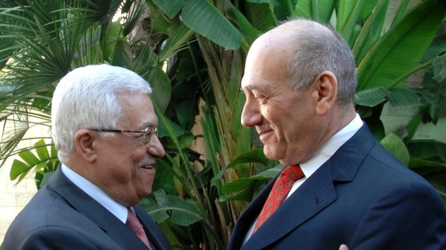 Then-prime minister Ehud Olmert and Palestinian Authority President Mahmoud Abbas in Jerusalem, Novermber 2008.
