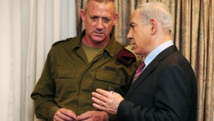 Prime Minister Benjamin Netanyahu and the chief of the General Staff, Lt. Gen. Benny Gantz, before a cabinet meeting in November (Photo credit: Kobi Gideon/ GPO/ Flash 90)